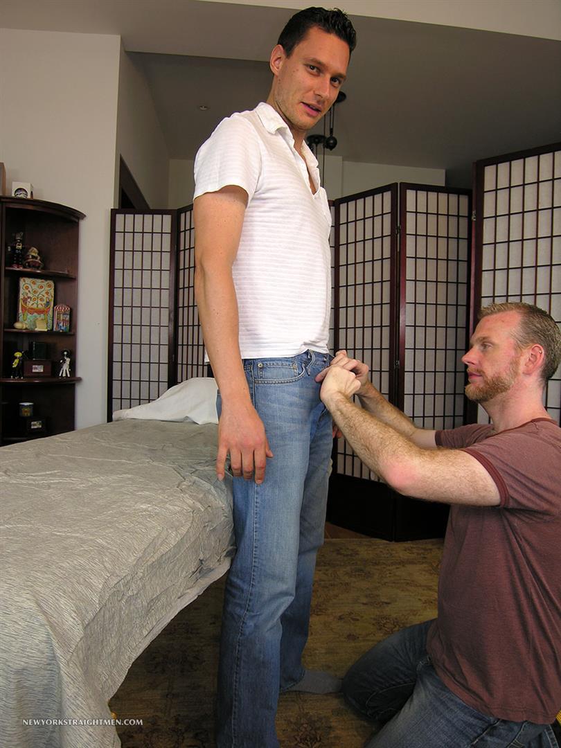 New-York-Straight-Men-Mario-and-Sean-Straight-Guy-Getting-Blowjob-From-Gay-Guy-Amateur-Gay-Porn-01.jpg
