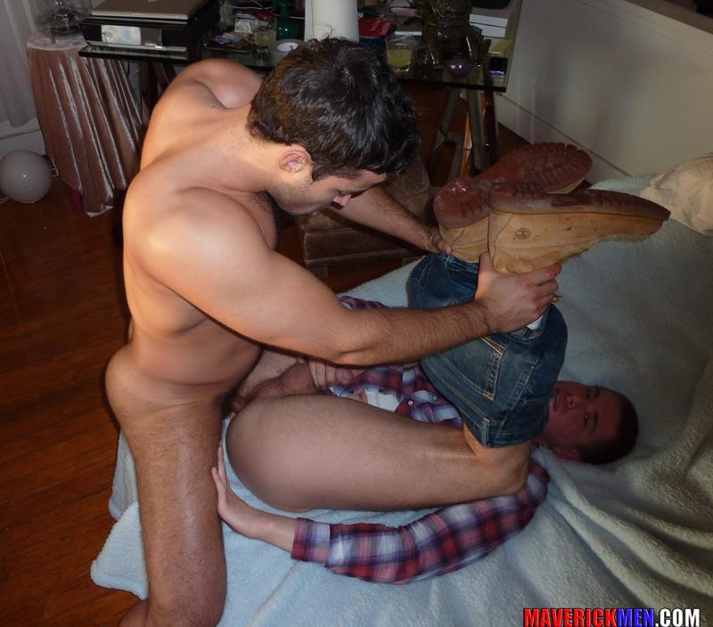 Maverick Men Hunter Tall Guy Gets Fucked Bareback Amateur Gay Porn 4