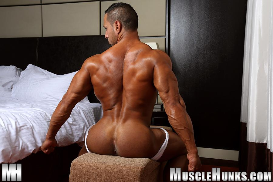 MuscleHunks Cosmo Babu Naked Bodybuilder Stroking A Huge Cock Amateur Gay Porn 05