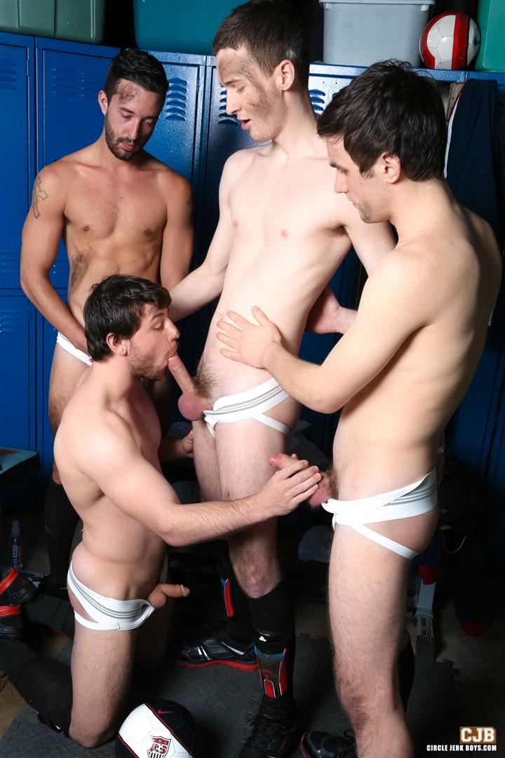 Circle Jerk Boys Andrew Collins and Isaac Hardy and Josh Pierce and Scott Harbor Soccer Guys Sucking Cock Amateur Gay Porn 05
