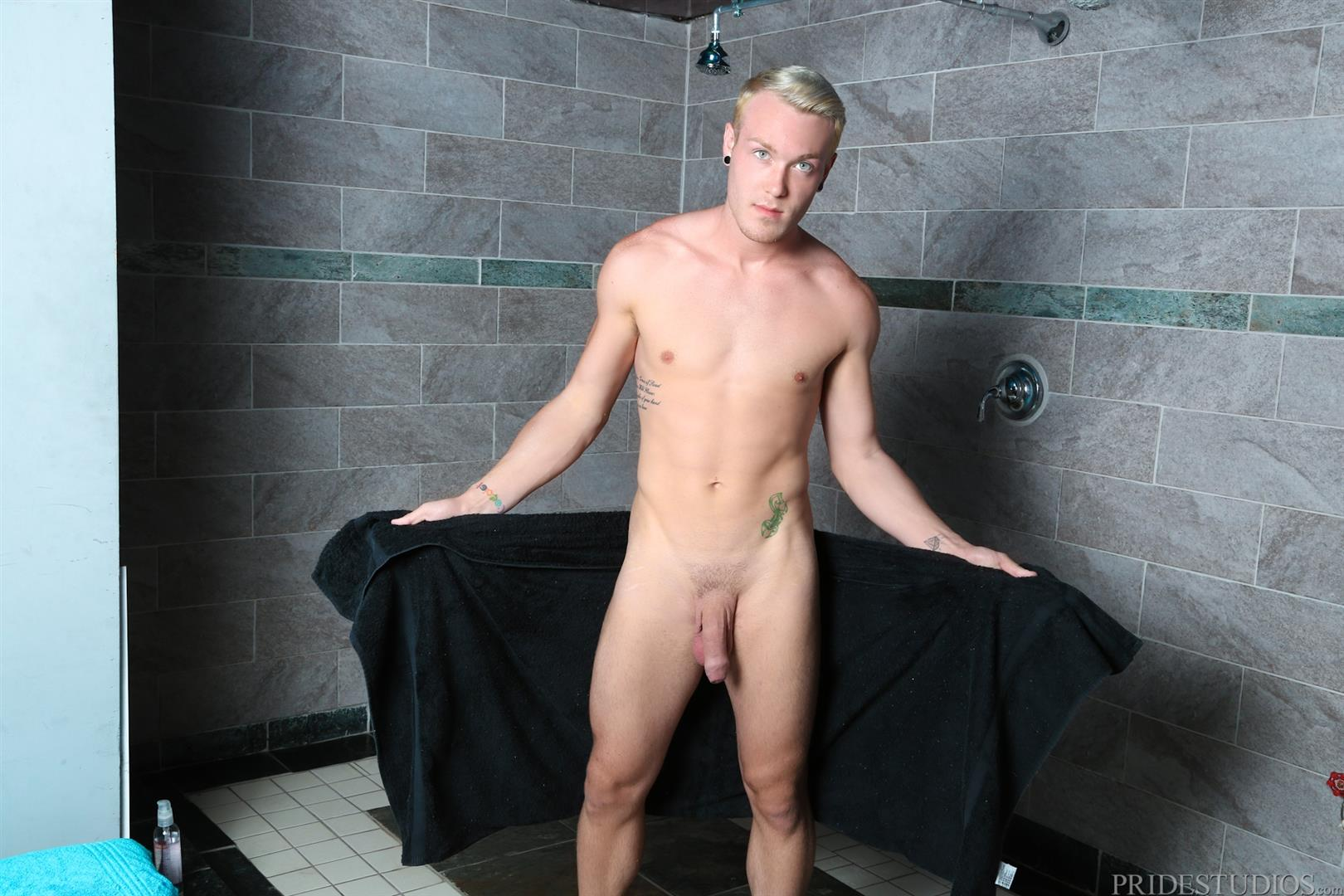 Extra Big Dicks Kaydin Bennett Athletic Guy In The Shower Jerking Off Big Uncut Cock Amateur Gay Porn 06