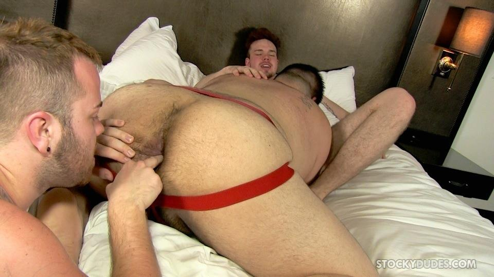Stocky Dudes Brock Fulton and Craig Cruz and Zeke Johnson Chub Cub and Chaser Barebacking Amateur Gay Porn 10