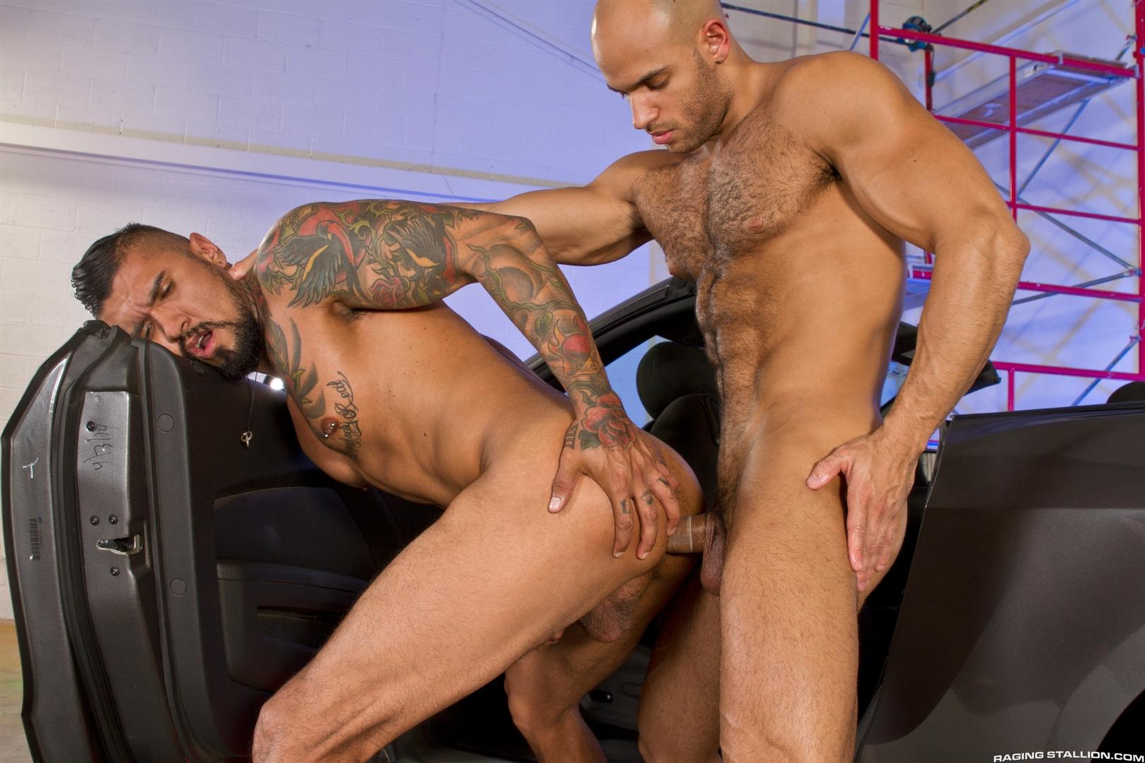 Raging Stallion Sean Zevran and Boomer Banks Bottoms For The First Time Big Uncut Cock Amateur Gay Porn 09