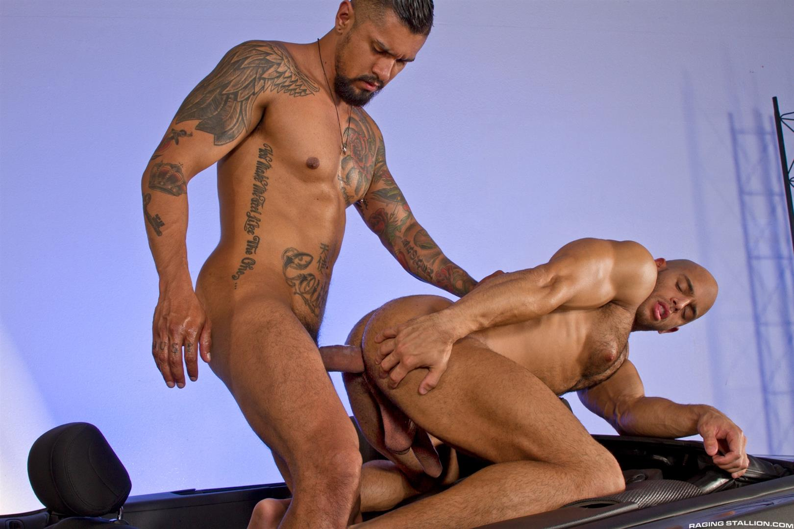 Raging Stallion Sean Zevran and Boomer Banks Bottoms For The First Time Big Uncut Cock Amateur Gay Porn 15
