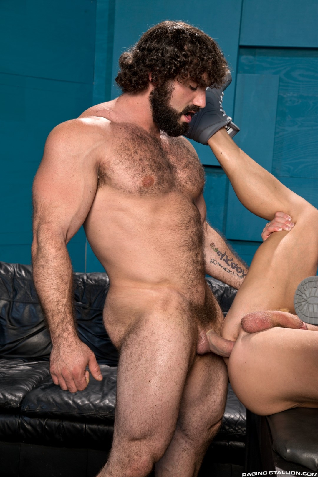 Raging Stallion Johnny V and Jaxton Wheeler Hairy Muscle Hunk Fucking Amateur Gay Porn 12