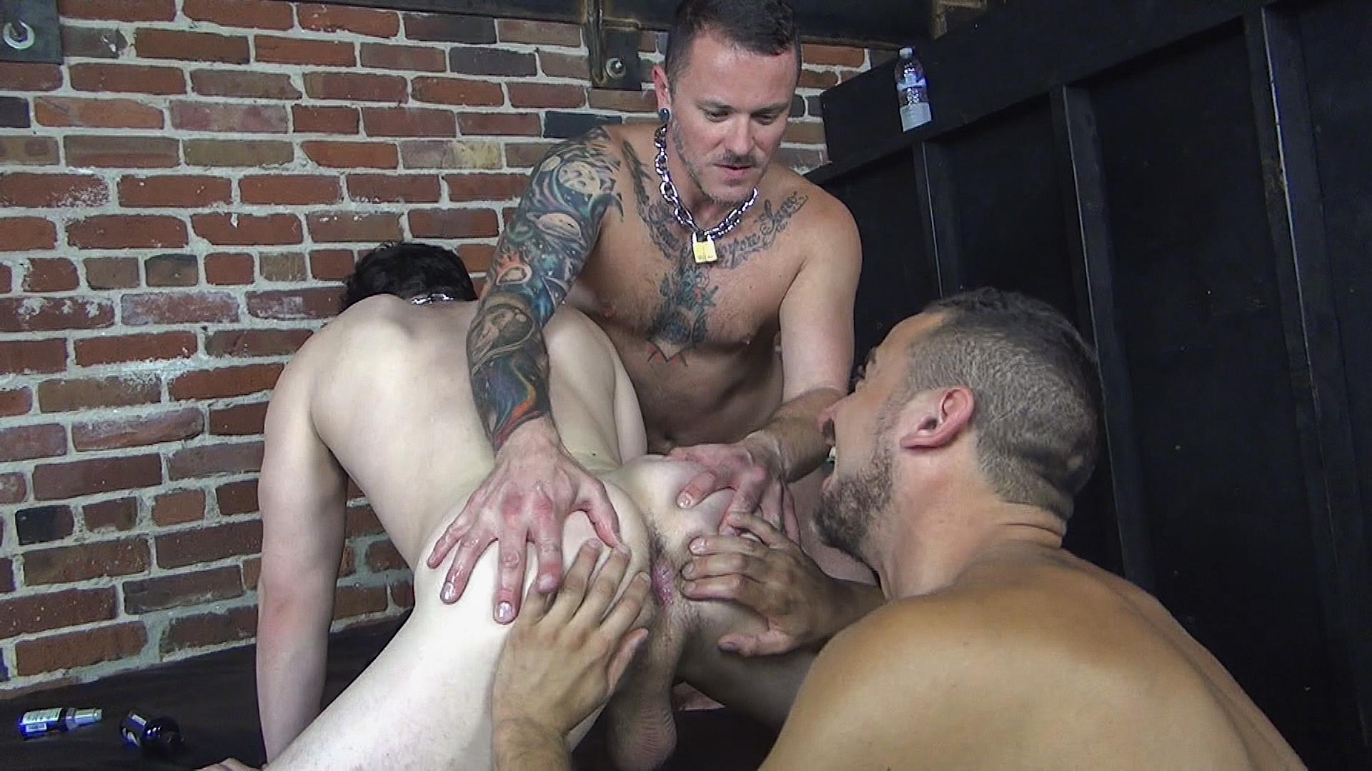 Raw Fuck Club Max Cameron and Jackson Fillmore and Leon Fox Bareback Double Penetration Amateur Gay Porn 01